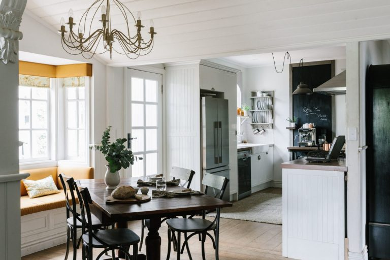 Acre-of-Roses_interiors_low-res-21-768x512