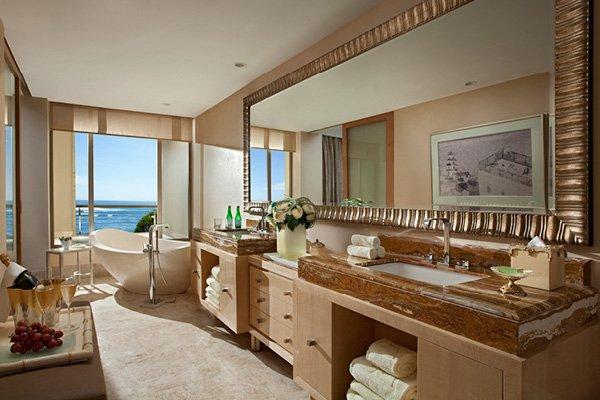 Bathroom in The Earl Suite.
